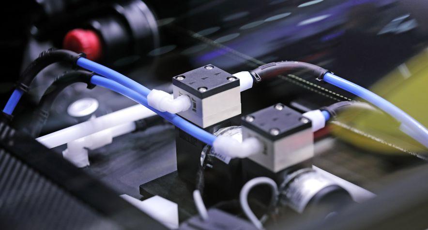 Перекачка электролита в авто QUANTiNO